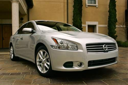 2009 Nissan Maxima, white car