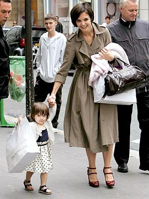 katie holmes shopping with suri cruise