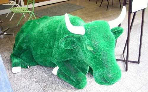 grass bull decor